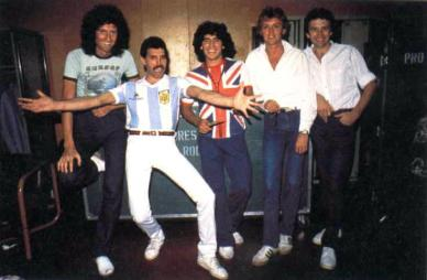 Queen junto a Maradona